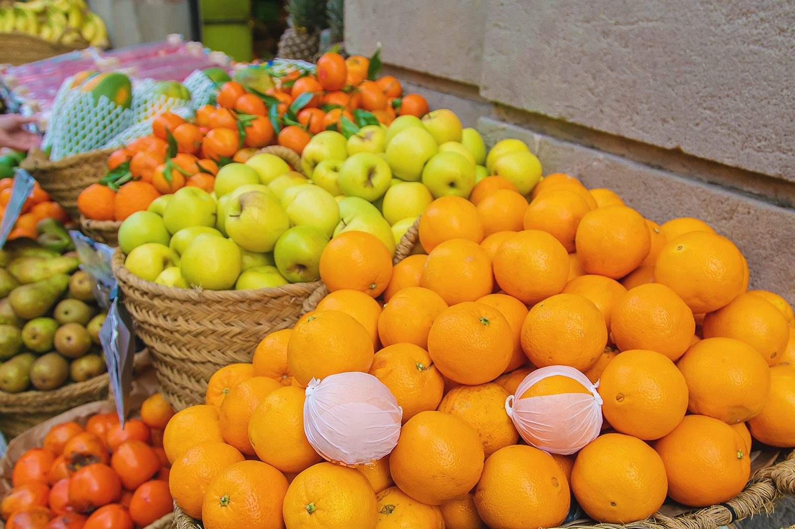 Beginner's Guide to Buying Wholesale Grocery